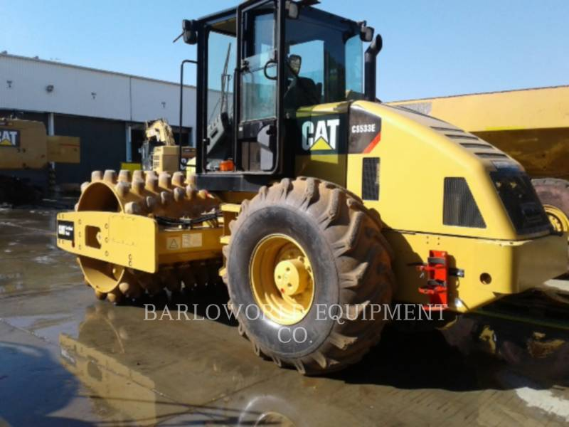 CATERPILLAR ACOLCHOADO DO TAMBOR ÚNICO VIBRATÓRIO CP-533E equipment  photo 3