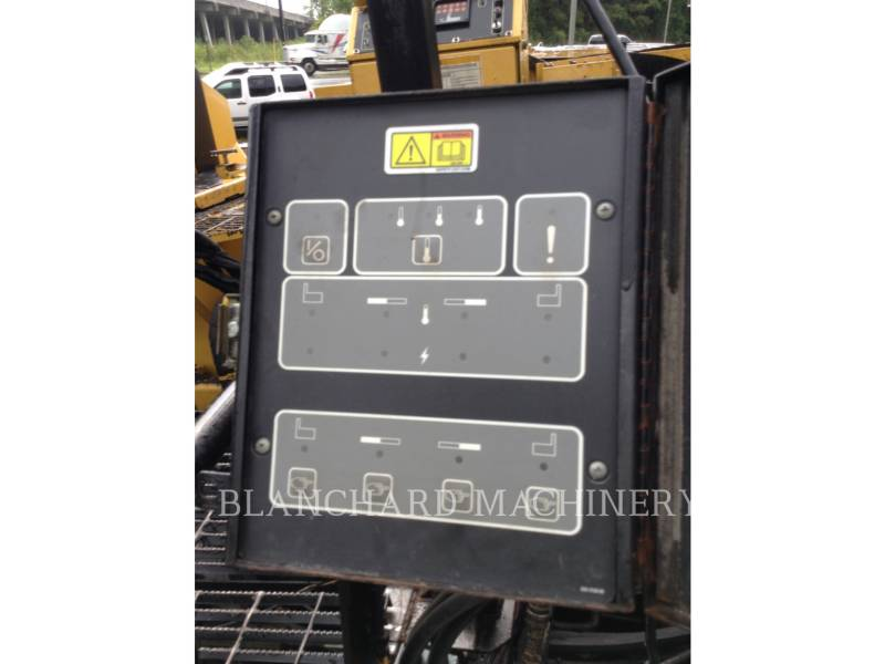 CATERPILLAR PAVIMENTADORES DE ASFALTO AP1055D equipment  photo 9