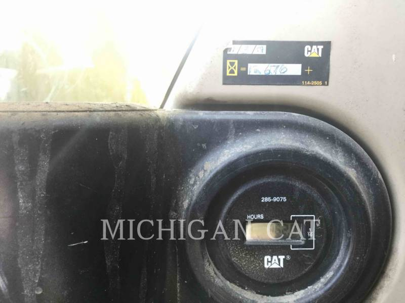 CATERPILLAR TRACK EXCAVATORS 330CL equipment  photo 23