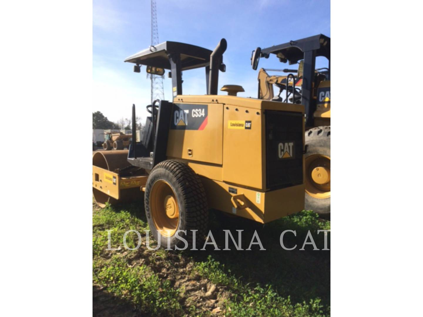 Detail photo of 2015 Caterpillar CS34 from Construction Equipment Guide