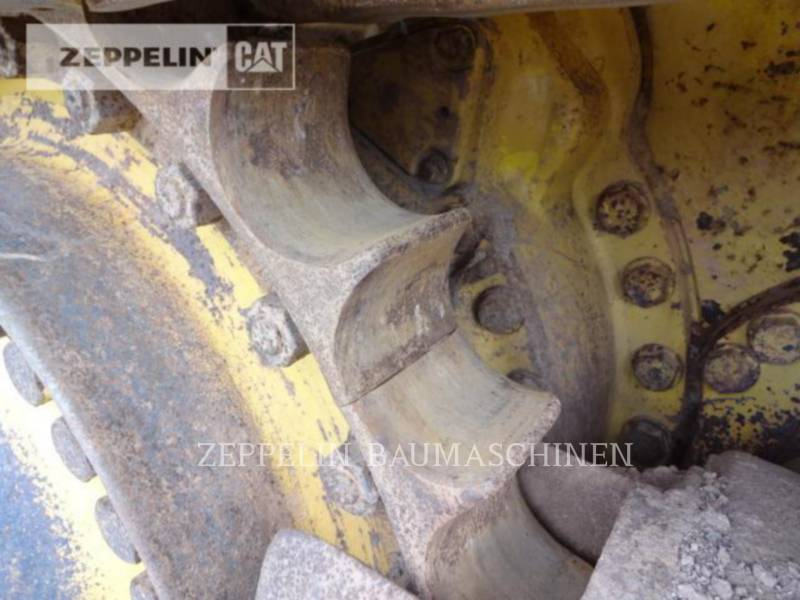 KOMATSU LTD. TRACTORES DE CADENAS D155AX-6 equipment  photo 13
