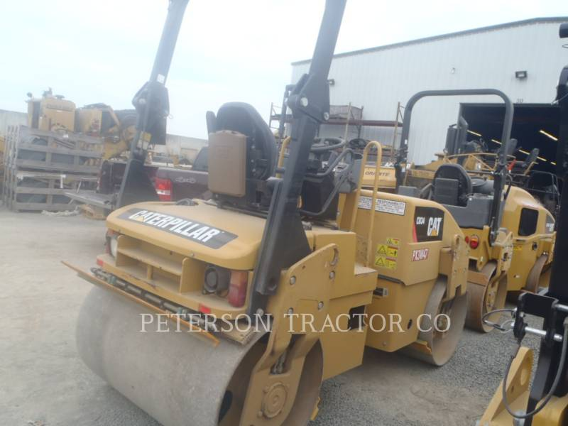 CATERPILLAR ASPHALT PAVERS CB34Q equipment  photo 4