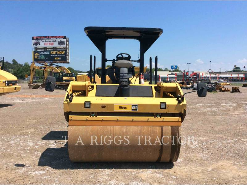 CATERPILLAR TRILLENDE DUBBELE TROMMELASFALTEERMACHINE CB64 equipment  photo 2