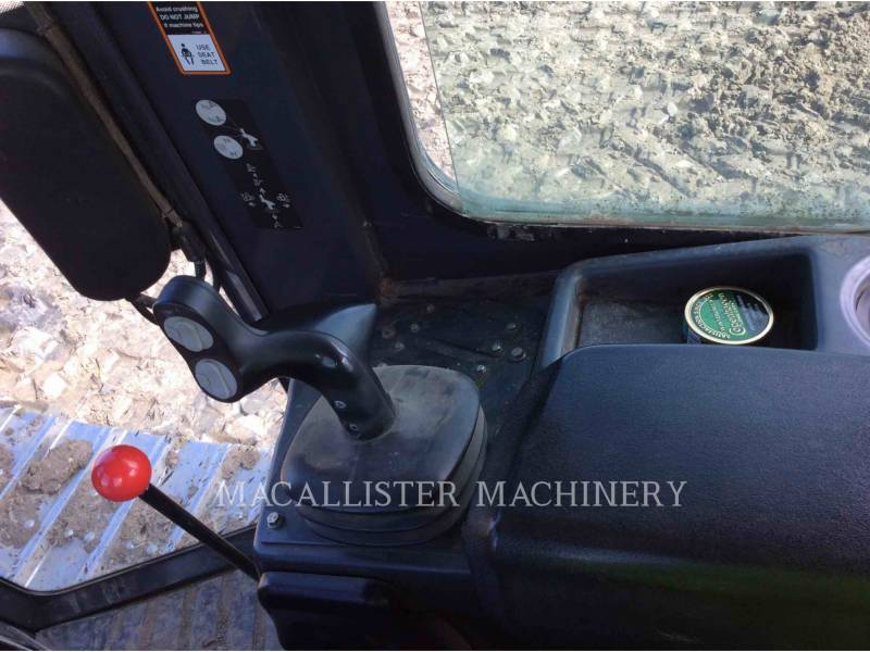 JOHN DEERE TRACTORES DE CADENAS 650K XLT equipment  photo 18