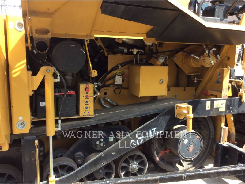 Caterpillar BETONIERE DE ASFALT AP-655D equipment  photo 15