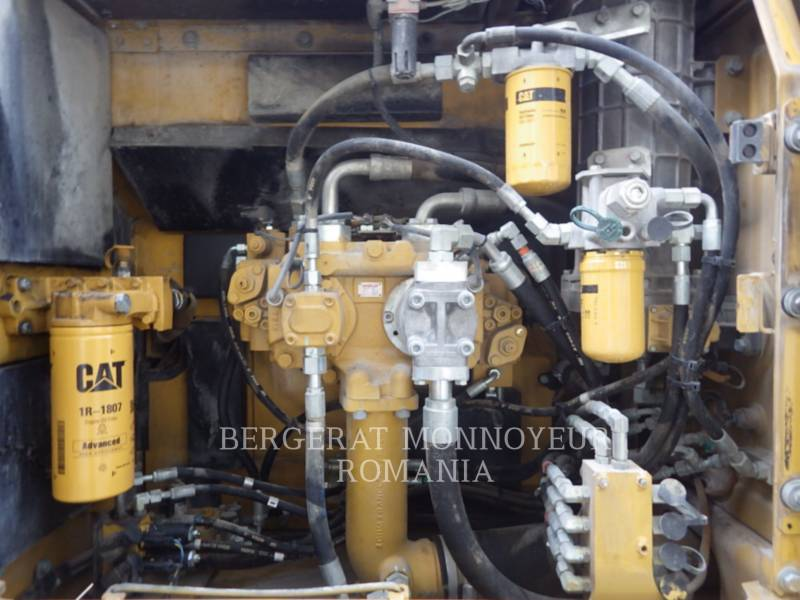 CATERPILLAR PELLES SUR CHAINES 329 D LN equipment  photo 6
