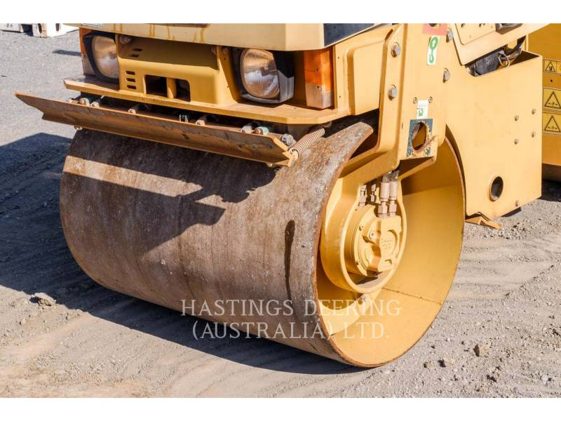 CATERPILLAR TANDEMVIBRATIONSWALZE, ASPHALT CB22 equipment  photo 10