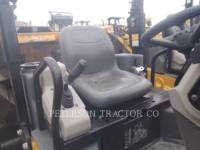 CATERPILLAR ASPHALT PAVERS CB22B equipment  photo 4