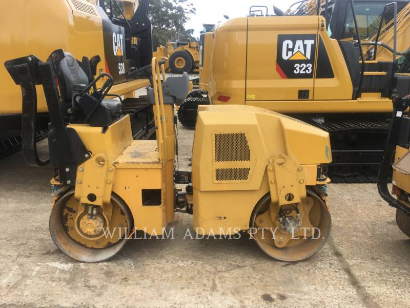 CATERPILLAR VIBRATORY DOUBLE DRUM ASPHALT CB22 equipment  photo 1