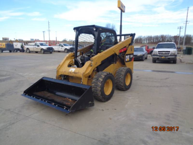 CATERPILLAR SKID STEER LOADERS 262D equipment  photo 17