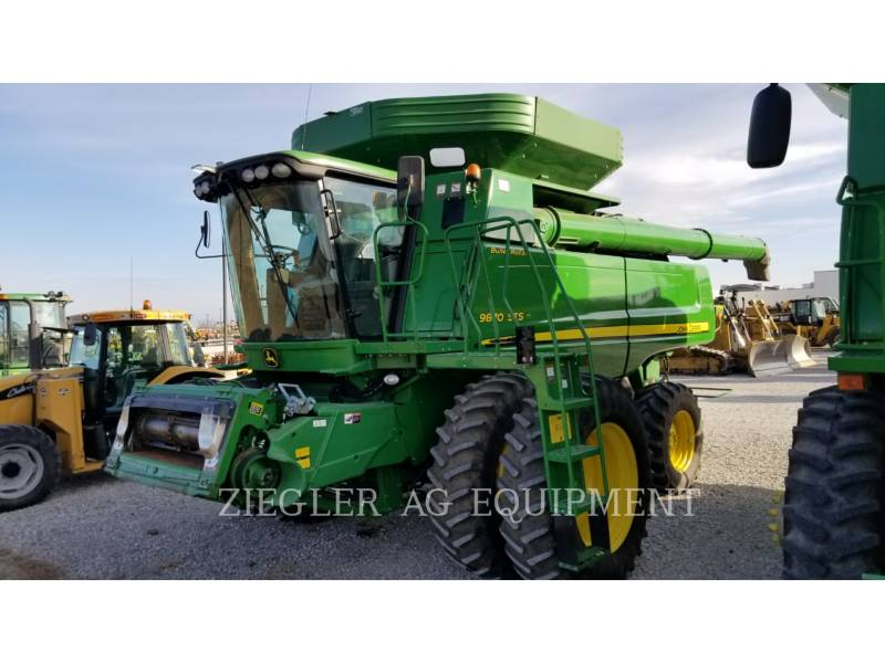 DEERE & CO. COMBINES 9870STS equipment  photo 1