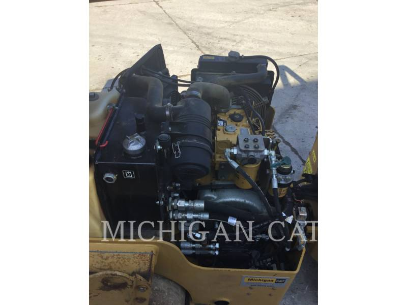 CATERPILLAR TANDEMVIBRATIONSWALZE, ASPHALT CB24 equipment  photo 15
