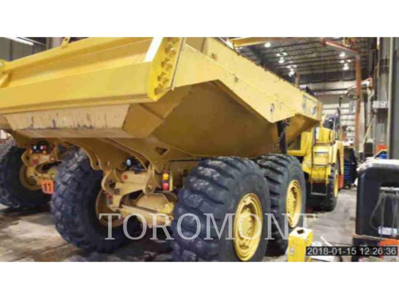 CATERPILLAR TOMBEREAUX DE CHANTIER 725C equipment  photo 3