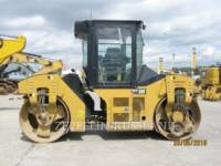 CATERPILLAR TANDEMVIBRATIONSWALZE, ASPHALT CB54B equipment  photo 6