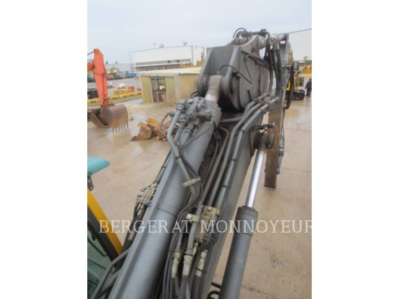 VOLVO CONSTRUCTION EQUIPMENT TRACK EXCAVATORS EC210BLC equipment  photo 24