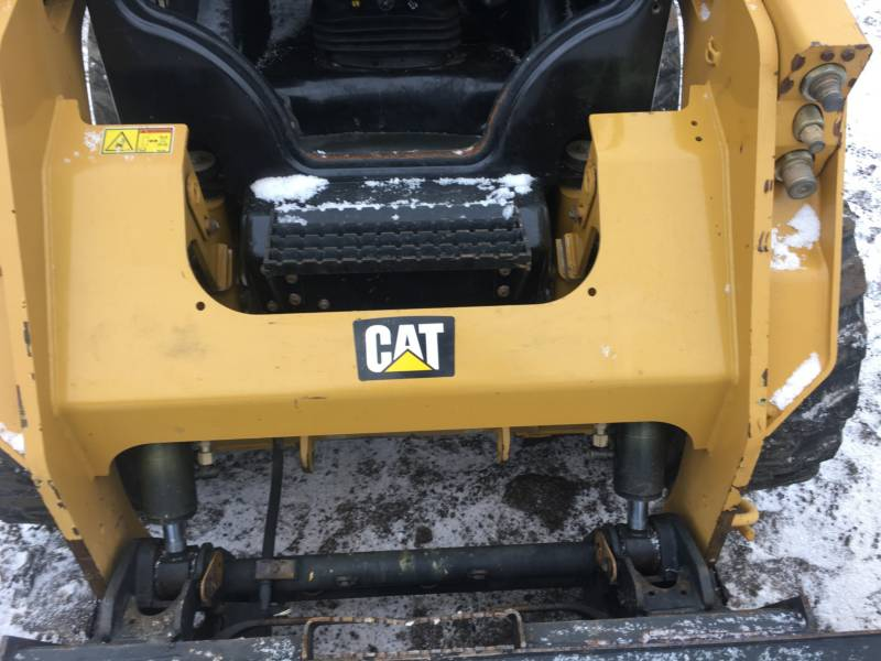 CATERPILLAR KOMPAKTLADER 236D equipment  photo 19