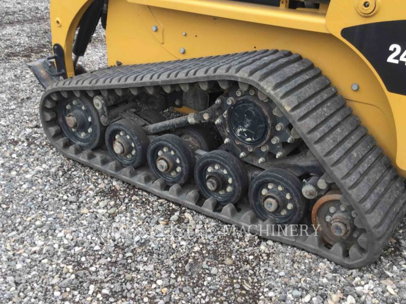 CATERPILLAR CHARGEURS TOUT TERRAIN 247B3 equipment  photo 12