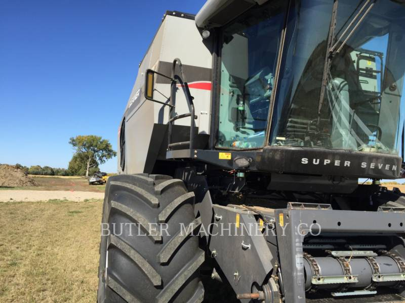 GLEANER COMBINE S77 SUPER equipment  photo 1