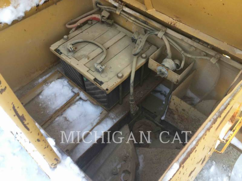 CATERPILLAR KETTEN-HYDRAULIKBAGGER E200BL equipment  photo 13