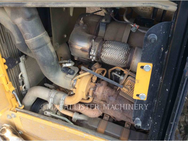 JOHN DEERE TRACTORES DE CADENAS 650K XLT equipment  photo 6