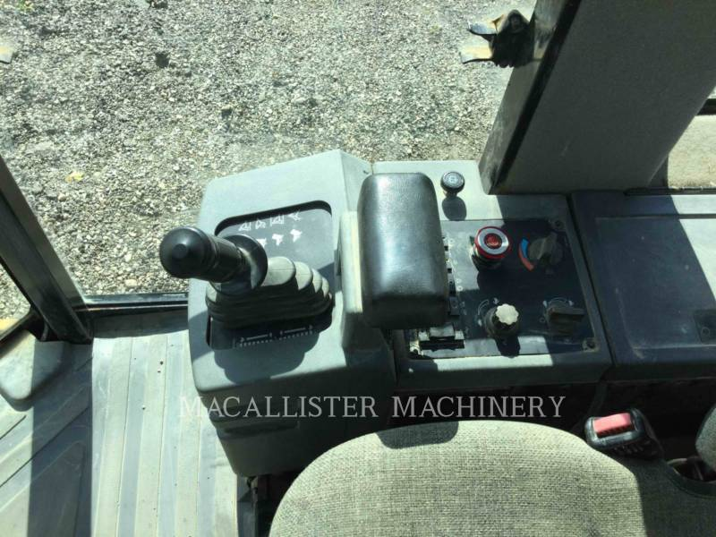CATERPILLAR EINZELVIBRATIONSWALZE, GLATTBANDAGE 433-E equipment  photo 19