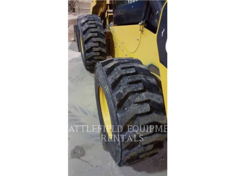 CATERPILLAR MINICARGADORAS 272D equipment  photo 10