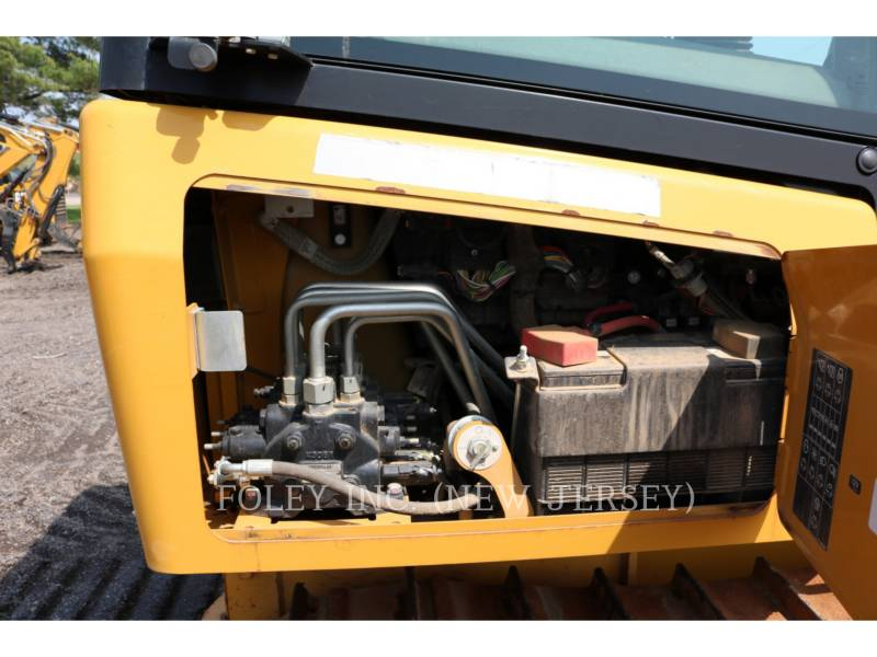CATERPILLAR TRACTORES DE CADENAS D4K2LGP equipment  photo 19
