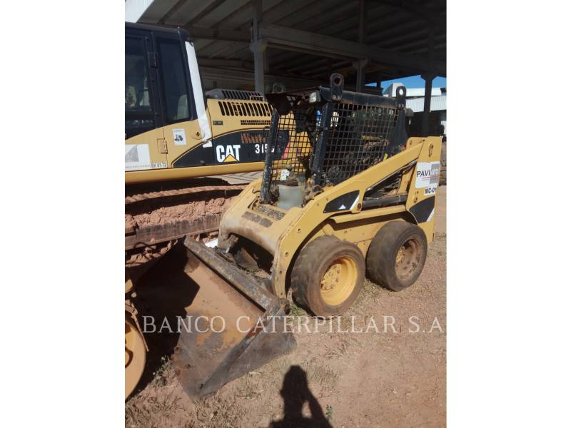 CATERPILLAR KOMPAKTLADER 226B3 equipment  photo 3