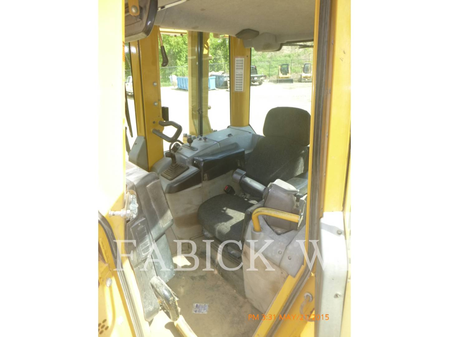 Detail photo of 2004 Caterpillar D6N from Construction Equipment Guide