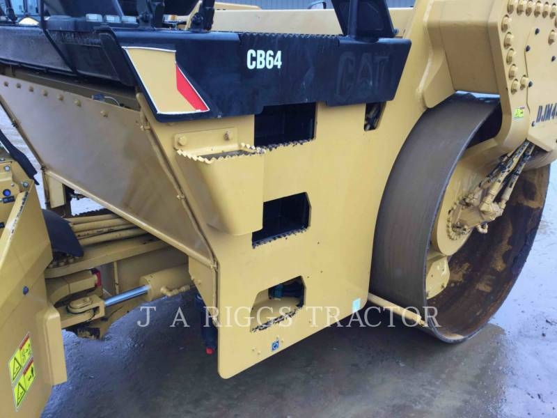 Caterpillar COMPACTOARE CB64 equipment  photo 23