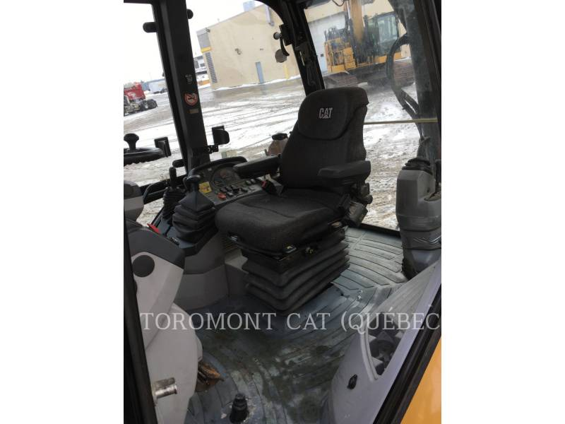 CATERPILLAR CHARGEUSES-PELLETEUSES 450E equipment  photo 12