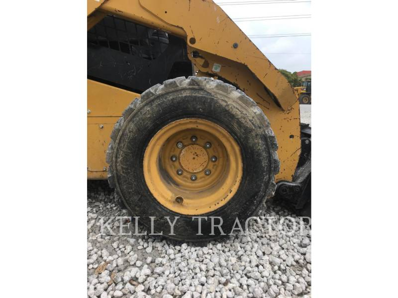 CATERPILLAR SKID STEER LOADERS 246D equipment  photo 13