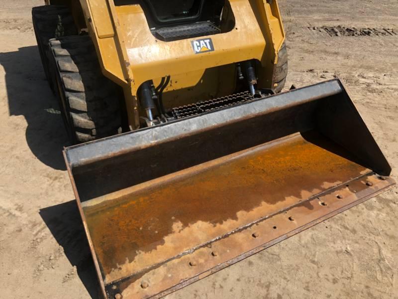 CATERPILLAR KOMPAKTLADER 242 D equipment  photo 14