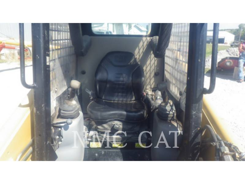 CATERPILLAR CHARGEURS COMPACTS RIGIDES 236B equipment  photo 5