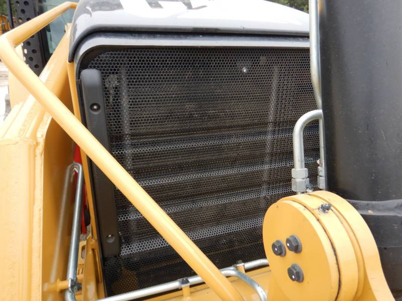 CATERPILLAR CHARGEUSES-PELLETEUSES 450F equipment  photo 13