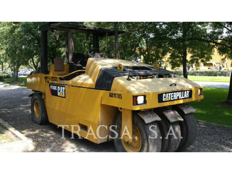 CATERPILLAR COMPACTEURS SUR PNEUS PF-300C equipment  photo 2