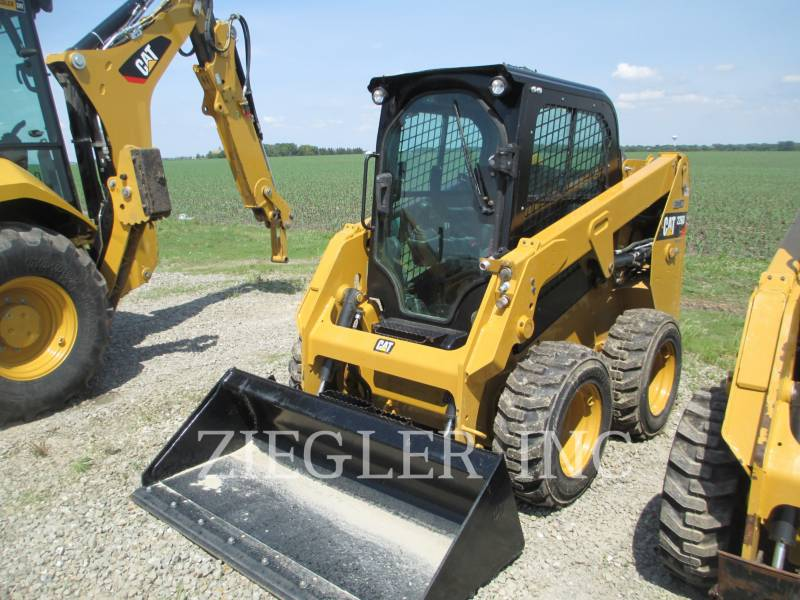 CATERPILLAR CHARGEURS COMPACTS RIGIDES 226DSR equipment  photo 3