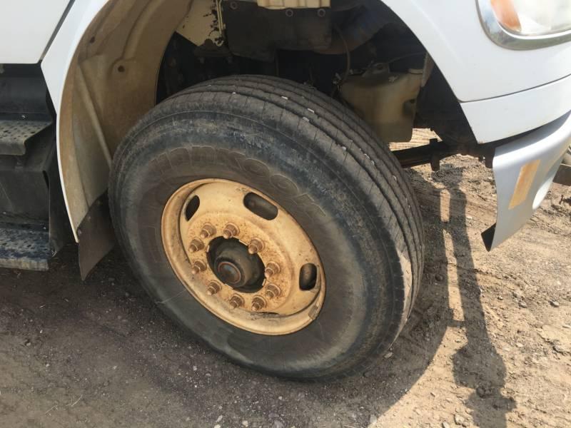 FREIGHTLINER CAMINHÕES-PIPA LW4000 WT equipment  photo 8