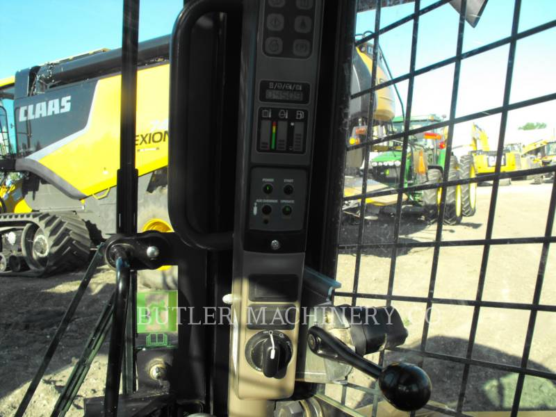 CASE/NEW HOLLAND KOMPAKTLADER TV380 equipment  photo 6