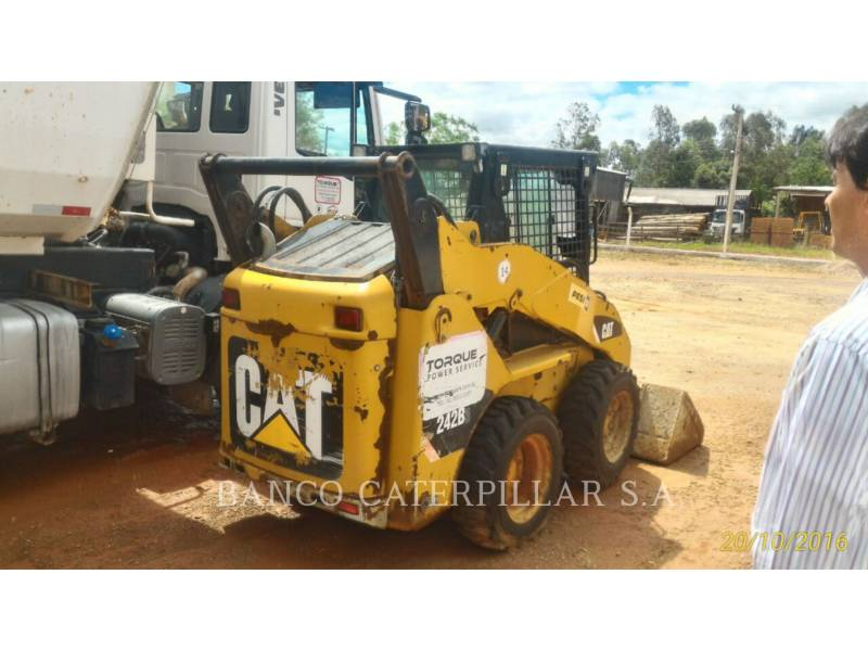 CATERPILLAR CHARGEURS COMPACTS RIGIDES 242B3 equipment  photo 4