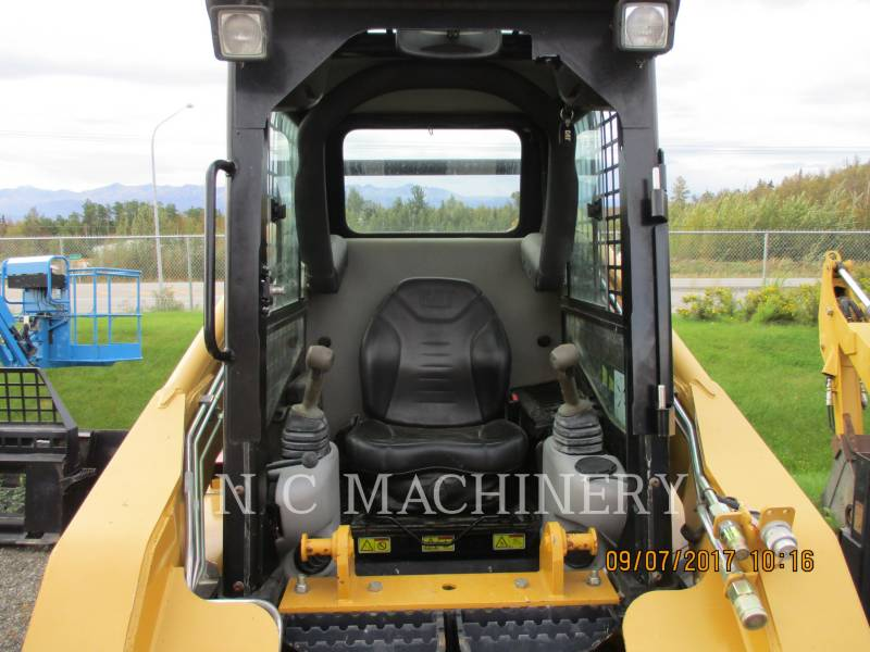 CATERPILLAR SKID STEER LOADERS 252B equipment  photo 7