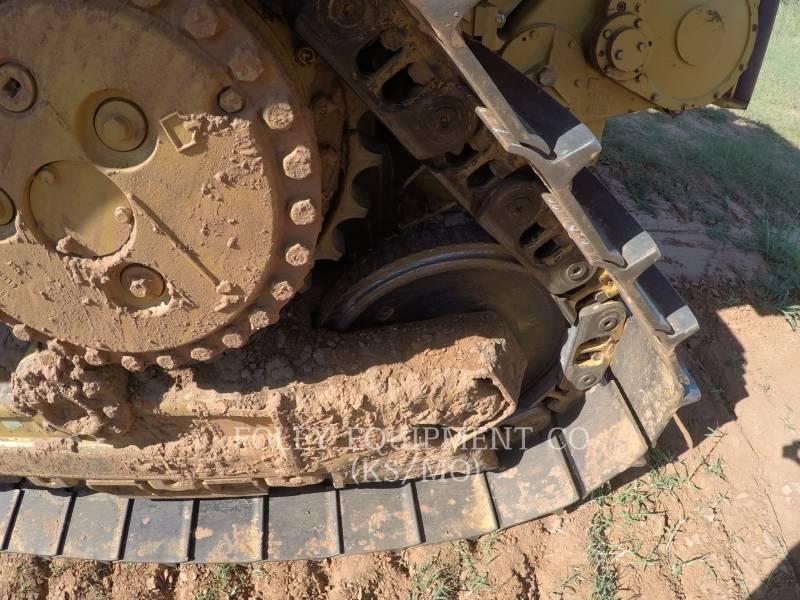 CATERPILLAR TRACK TYPE TRACTORS D6NXL equipment  photo 16