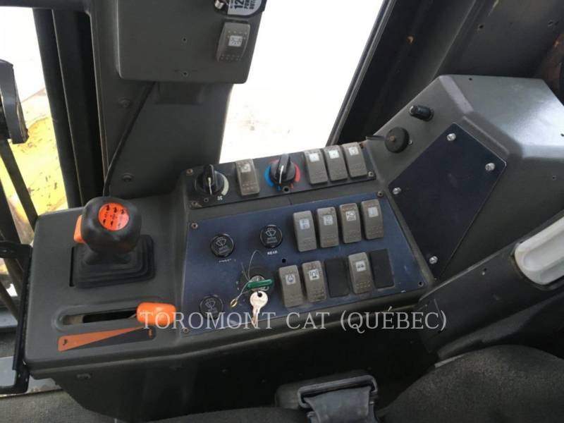 VOLVO MOTOR GRADERS G740B equipment  photo 8