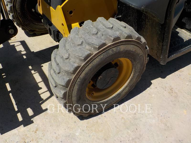 CATERPILLAR TELEHANDLER TH255C equipment  photo 15