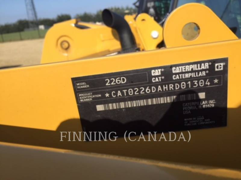 CATERPILLAR PALE COMPATTE SKID STEER 226D equipment  photo 6
