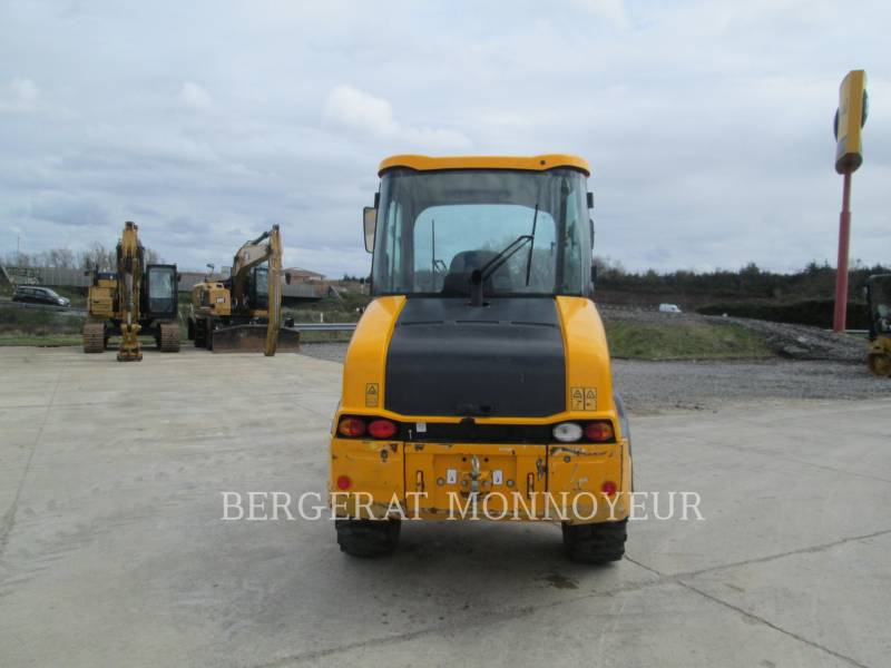 JCB WHEEL LOADERS/INTEGRATED TOOLCARRIERS 407BT4 equipment  photo 4
