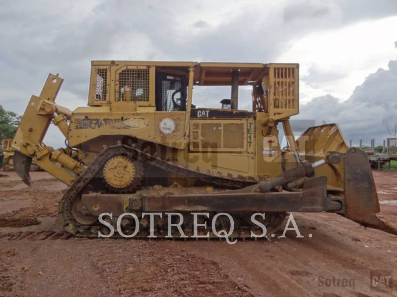 CATERPILLAR TRACTORES DE CADENAS D8RII equipment  photo 1