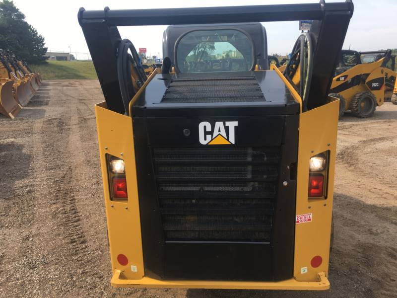 CATERPILLAR KOMPAKTLADER 272D equipment  photo 9
