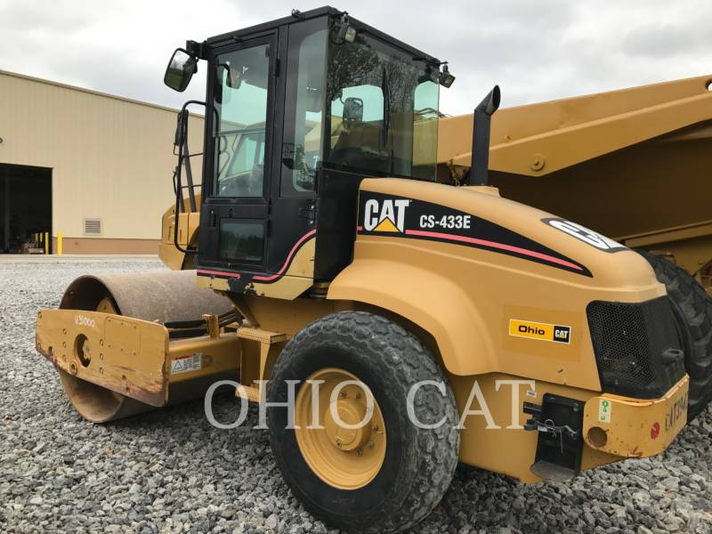 CATERPILLAR COMBINATION ROLLERS CS433E equipment  photo 4