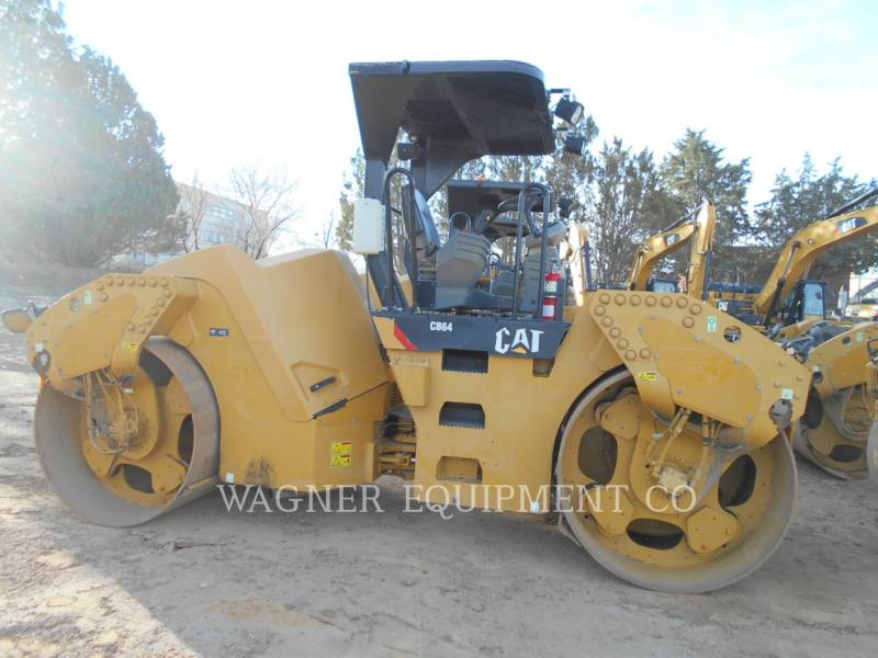 CATERPILLAR COMPACTEURS TANDEMS VIBRANTS CB64 equipment  photo 4
